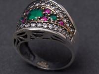 Vino în universul fascinant al celor mai frumoase bijuterii