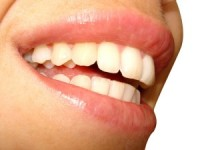 Tot ce trebuie să ştii despre gingivită şi bolile paradontale